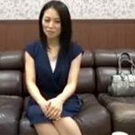 【四十路熟女動画】お金に困りAV面接に来た素人美熟女がスタッフに無理矢理犯される!