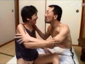 【高齢熟女動画】還暦を過ぎても性欲旺盛な七十路お婆ちゃんの本気セックス!