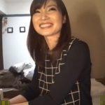 【若妻熟女動画】スレンダーな美人奥様が夫が留守中に不倫相手を自宅に招きハメ撮りセックス!