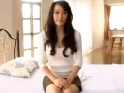 【四十路熟女動画】40代には見えない綺麗すぎる美人妻が旦那に内緒でAV出演…乱れまくる浮気セックス!