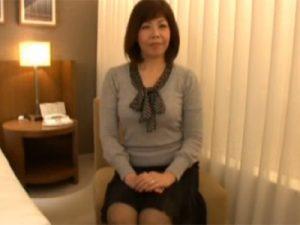 【四十路熟女動画】旦那さんとはご無沙汰な40代の素人美熟女が我慢出来ずにAV出演!