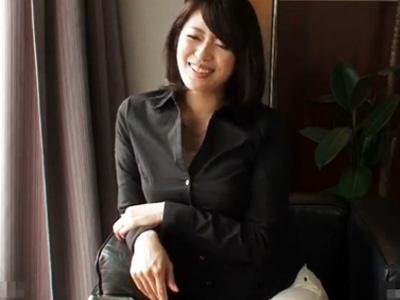 【三十路熟女動画】出会い系で捕まえた素人美人妻とラブホで淫らなハメ撮りセックス!