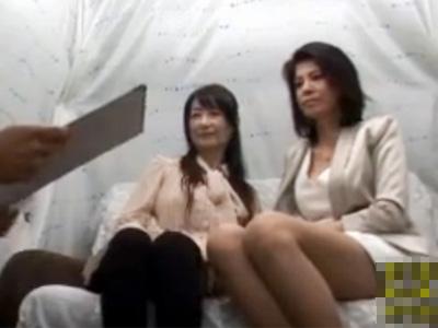 【ナンパ熟女動画】60代の母親と40代の娘の仲良し親子を捕獲…車内で悪戯しラブホで中出しセックス!