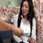【ナンパ熟女動画】街角アンケートで捕獲した40代素人の巨乳セレブ奥様に謝礼を渡しラブホで中出しセックス!