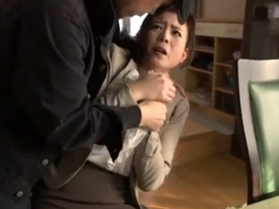 【浅井舞香熟女動画】強姦魔に狙われた四十路美人妻が自宅で無理矢理襲われレイプされる!