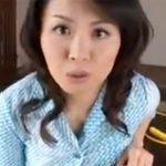 【佐藤美紀熟女動画】三十路のGカップ美巨乳ママが息子とお医者さんごっこ…近親相姦セックスに発展!
