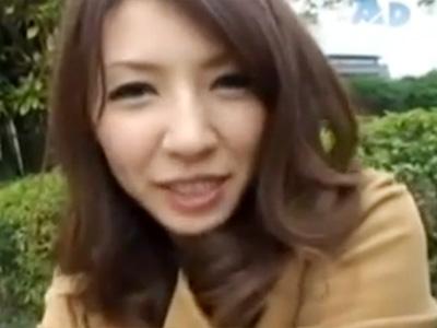 【四十路熟女動画】欲求不満の素人貧乳美人妻がAV出演…3Pセックスでザーメンを連続顔射!