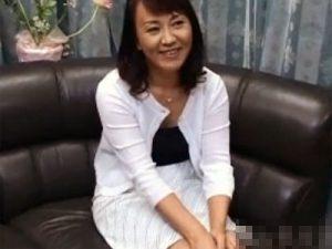 【五十路熟女動画】50代素人の豊満なパイパン未亡人が自ら応募しAV出演…濃厚セックスで悶絶してる!