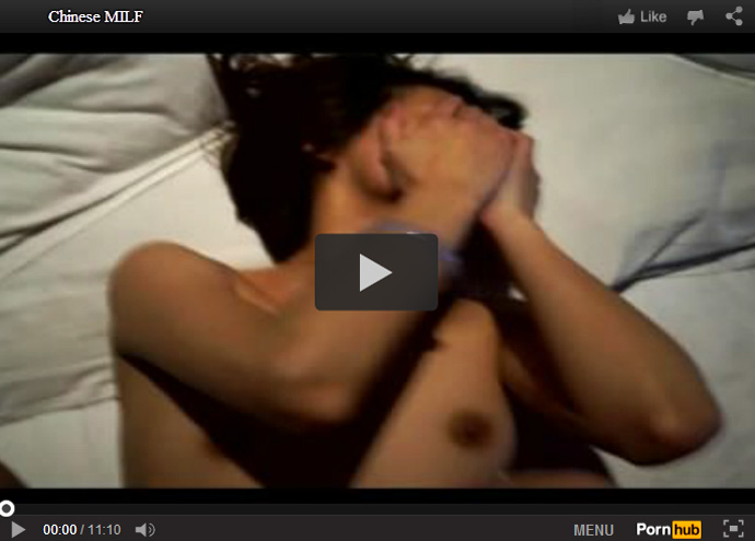 【無修正熟女動画】ラブホで個人撮影した旦那との中出しハメ撮りセックスがネットに流出した四十路貧乳おばさん!