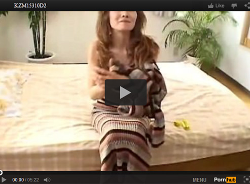 【無修正熟女動画】50代素人のスレンダーなおばさんがAV出演…ローターでおまんこを弄りオナニー&顔射SEX!