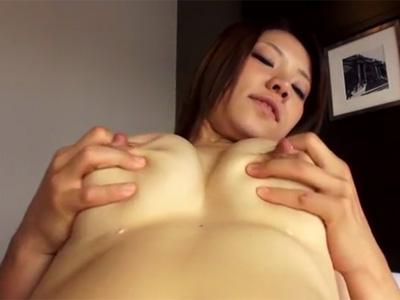 【若妻熟女動画】20歳の産後でもスタイル良い巨乳美人妻がAV出演…激しいセックスで母乳を噴き出す!