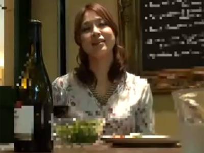 【ナンパ熟女動画】飲み屋で清楚な30代素人のDカップ巨乳美人妻に声を掛けてビジネスホテルに連れ込み本気SEX!