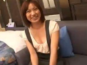 【三十路熟女動画】旦那とはセックスレスで欲求不満な貧乳美人妻がAV面接…ラブホでハメ撮り中出しSEX!