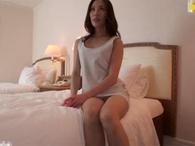 【四十路熟女動画】40代素人の貧乳美人妻がAV出演…おまんこを弄り潮吹きさせ濃厚セックスで大量顔射!
