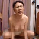 【近親相姦熟女動画】50路の淫乱お母さんが寝ている息子の勃起チンポに発情して我慢出来ず禁断中出しSEX!