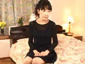【五十路熟女動画】還暦間近のスリムで清楚な素人おばさんがAV出演…久々のセックスで淫らにヨガリ狂う!