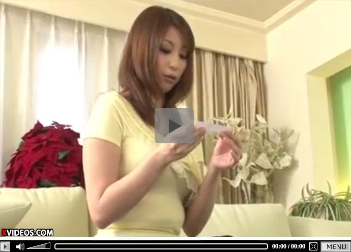 【無修正熟女動画】四十路美熟女のFカップ奥様が男達に中出しSEXをお願いされマンコにザーメンぶち込まれる!