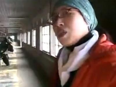【五十路熟女動画】酪農を営む50代素人の美熟女おばさんを言葉巧みに口説き落としてハメ撮りセックス!