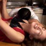 【レイプ熟女動画】30路の美人奥様がお酒を飲み過ぎて泥酔してる旦那のすぐ側で夫の上司に中出し強姦される!