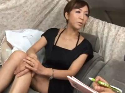 【ナンパ熟女動画】街中で四十路素人の巨乳セレブ妻をアンケートと騙して捕獲…ラブホでハメ撮り中出し!