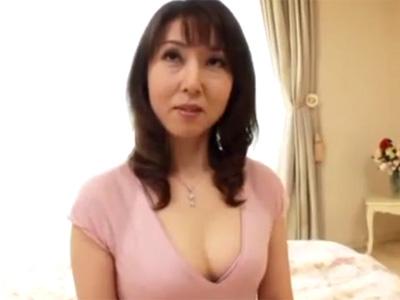 【四十路熟女動画】モデル体型の清楚な美人奥さんがAV出演…夫以外の男とのセックスで乱れる!