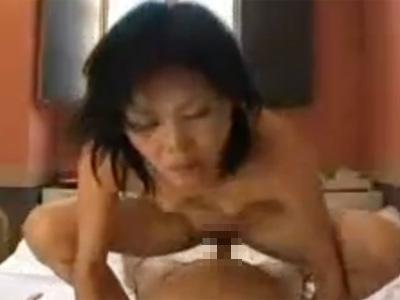 【無修正熟女動画】五十路美熟女の大阪のおばちゃんが昼間ラブホで不倫中出しセックス!