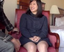 【奥様動画】20代の清楚系の素人美女奥様に極太ペニスを見せたら欲情して濃密SEX!