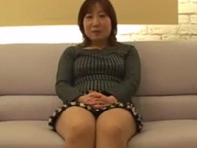 【無修正熟女動画】40代素人の豊満な淫乱奥さんがAV出演…オナニーしたり他人棒をしゃぶり中出しセックス!