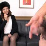 【フェラチオ熟女動画】セックスレスの30代素人の欲求不満な美人妻がセンズリ鑑賞中にチンポにしゃぶりつく!