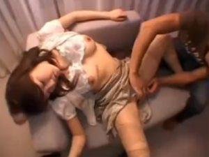 【ナンパ熟女動画】Dカップ巨乳の三十路素人の奥さんを捕まえラブホに連れ込み3Pセックスで中出し&顔射!