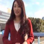【ナンパ若妻熟女動画】買い物帰りの20代素人の美人妻を捕獲…高額謝礼に負けてラブホで中出しSEX!
