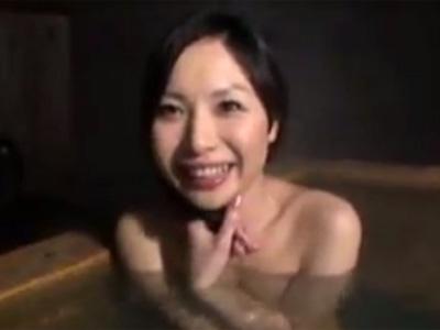 【無修正熟女動画】欲求不満な30代素人の美熟女女教師がAV出演…久々の生ハメセックスで中出し!