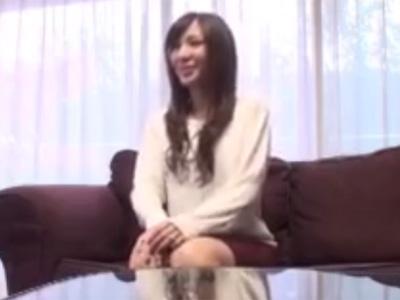 【ナンパ熟女動画】ファッション企画と騙して三十路の美人奥様の自宅に上がり込んで生ハメで無許可中出し!