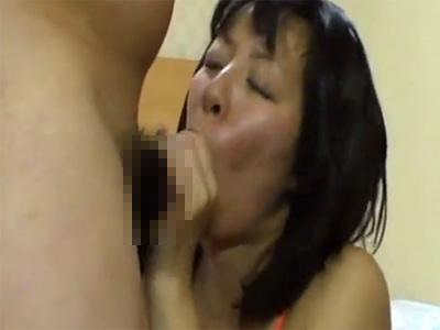 【無修正熟女動画】三十路素人の巨乳美熟女がプライベートハメ撮りセックスでヨガリまくる!