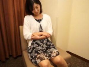 【四十路熟女動画】旦那のSEXに満足出来ず綺麗な奥様がAV出演…久々の他人棒で激しくイキ狂う!