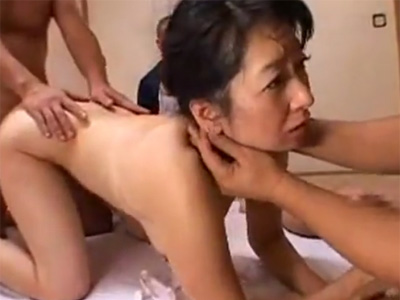 【四十路熟女動画】素人の欲求不満な垂れ乳美熟女がAV出演に応募して乱交セックスで乱れまくる!