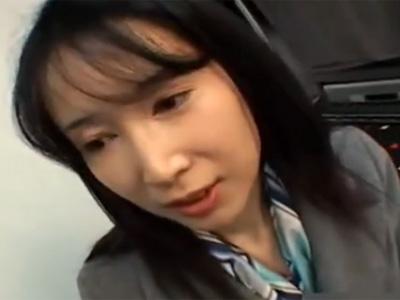 【ナンパ熟女動画】五十路素人のスレンダー貧乳奥様を捕獲…自宅に連れ込んでハメ撮りセックス!