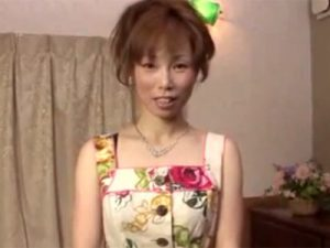 【無修正熟女動画】五十路のスリム巨乳美熟女ソープ嬢を指名…チンポをしゃぶって貰い中出しセックス!
