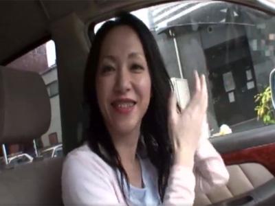 【四十路熟女動画】出会い系で知り合った美人奥様と密会…ラブホテルで激しく絡む濃厚SEX!