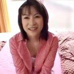 【無修正熟女動画】40代素人の真面目な奥様はAVに興味があり自ら応募…旦那以外のチンポでSEXして淫らな姿を晒す!