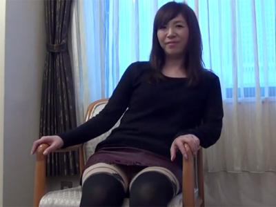【三十路熟女動画】三十路の色っぽい素人奥様が欲求不満でAV初撮り…生ハメセックスで中出し懇願する!
