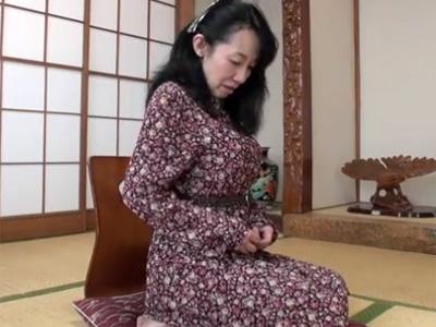 【無修正熟女動画】五十路の性欲旺盛な完熟した垂れ乳美熟女がAV出演…濃厚中出しセックス!