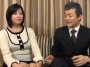 【五十路熟女動画】仲良い熟年夫婦が記念に残す為にAV出演…カメラの前で濃厚中出しセックス!