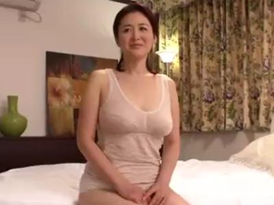 【四十路熟女動画】Gカップ巨乳美熟女おばさんが1年ぶりのセックスで余りの快感にヨガリまくる!