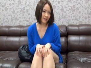【三十路熟女動画】旦那とのセックスに満足出来ずDカップ敏感美人妻がAV出演…他人棒で大絶叫しまくり!