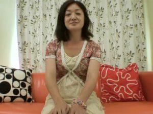 【無修正熟女動画】五十路素人の性欲旺盛な美熟女おばさんがAV出演…ハメ撮り中出しセックス!