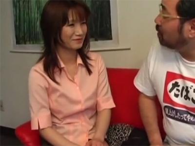 【ナンパ熟女動画】40代素人の美熟女マダムを街頭インタビューと騙して捕獲…言葉巧みに口説いて中出しSEX!