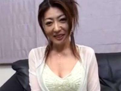 【無修正熟女動画】35歳素人の色気ある美人奥さんがAV出演…フェラチオ&オナニー&顔射セックス!