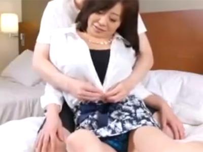 【ナンパ熟女動画】夫とはセックスレス気味で欲求不満な五十路素人巨乳奥さんが若い男に口説かれ浮気セックス!