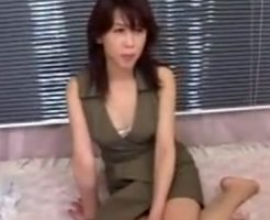 【奥様動画】淫乱過ぎるスリム貧乳奥様が濃密SEXで余りの快感に中出し懇願!